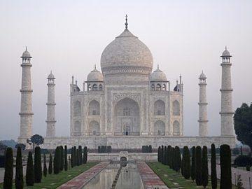 Taj_Mahal_in_India_-_Kristian_Bertel-4a83fabb